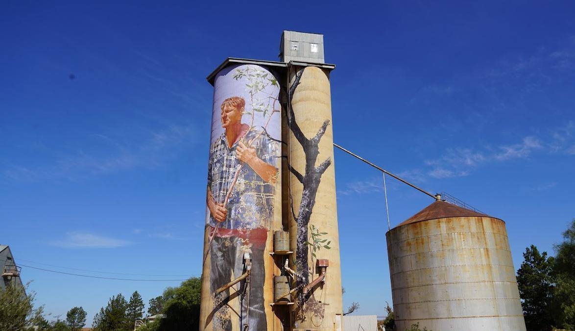 More people joining the silo art discussion